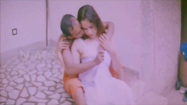 कैमरे के हिंदी सेक्सी वीडियो मूवी सामने बकवास