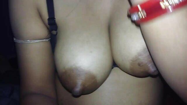 जर्मन पोर्न के साथ सुडौल श्यामला सेक्सी मूवी वीडियो