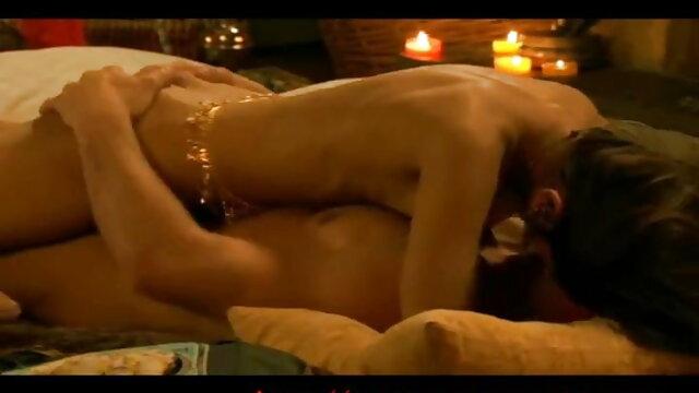 प्रेमी सही समय पर हिंदी वीडियो सेक्सी मूवी पहुंचा