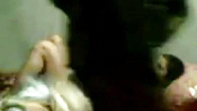 बड़ी चुदासी औरत ने अपनी सहेली हिंदी में सेक्सी मूवी फिल्म की चूत चाटी