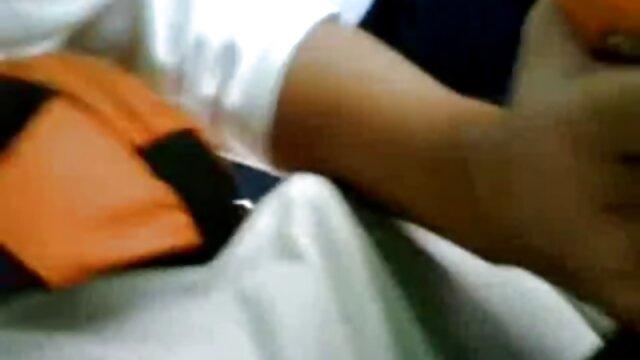 आदमी ने फुल सेक्सी मूवी हिंदी में अपने चूतड़ दोस्त पर जोर से चिपका दिया