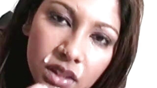 लड़का अपने सेक्सी मूवी हिंदी में वीडियो रूसी सौंदर्य के गधे का परीक्षण करता है