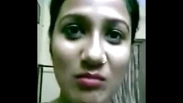 प्रेमी एक होटल सेक्सी मूवी वीडियो वीडियो के कमरे में चुदाई करता है