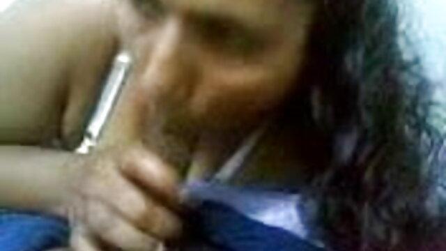 श्यामला एक विशाल डिक बेकार है और दिलचस्प इंग्लिश में सेक्सी मूवी स्थिति में देता है