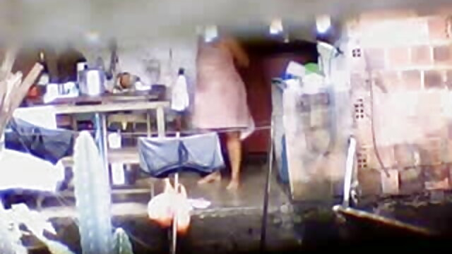 एक बड़े गधे के साथ एक हिंदी वीडियो फुल मूवी सेक्सी लड़की एक आदमी के साथ बैठक के लिए इंतजार कर रही थी