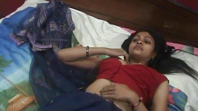 लड़की एक सुतली में घुस गई और एक श्यामला से कुन्नलिंगस हो गई सेक्सी मूवी हिंदी माई