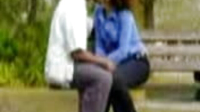 गोरा ने मौद्रिक क्षतिपूर्ति के लिए सेक्सी वीडियो मूवी फिल्म लड़के को संतुष्ट किया