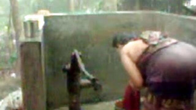 संचिका काली औरत पहले व्यक्ति में एक सफेद के साथ fucks सेक्सी वीडियो हिंदी मूवी में
