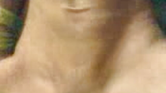 ताजा हवा में एक परिपक्व सेक्सी मूवी का व्यक्ति को दिया