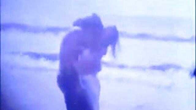 एक स्वस्थ अश्वेत व्यक्ति की सुंदरता वीडियो मूवी सेक्सी वाली वैलेंटाइना नप्पी
