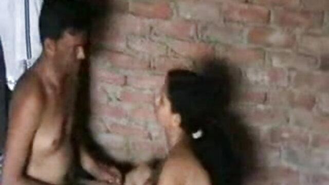 मोज़ा में एक सुंदर वेश्या ने खुद को गधे में लगातार गड़बड़ कर फिल्म सेक्सी मूवी दिया