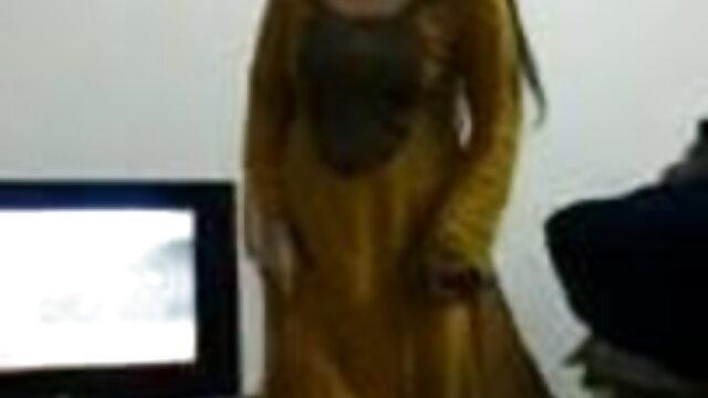 गर्म ब्रुनेट्स वीडियो मूवी सेक्सी के साथ त्रिगुट