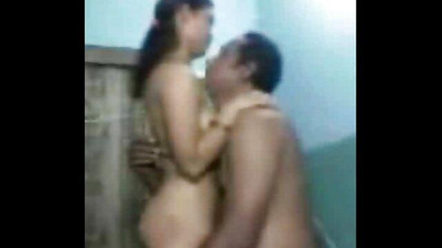 एंजेलिका काले मोज़ा में सेक्सी फिल्म वीडियो वीडियो बिल्ली हस्तमैथुन करती है