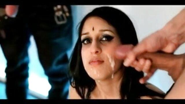 मोबाइल फोनों के लिए सेक्सी वीडियो हिंदी मूवी में सुंदर लड़कियों
