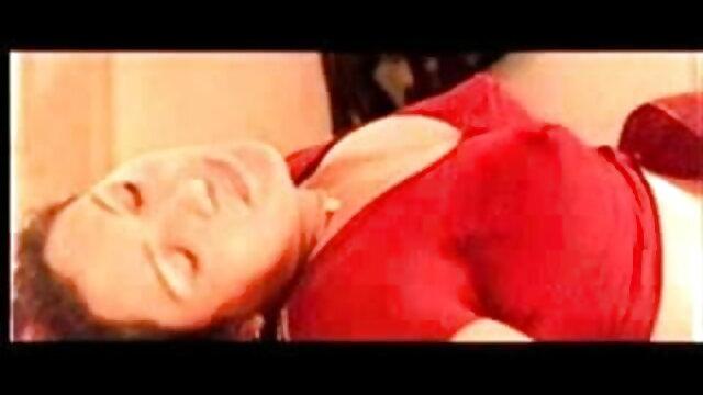 श्यामला उसकी उंगलियों मूवी सेक्सी वीडियो पर बैठ जाती है