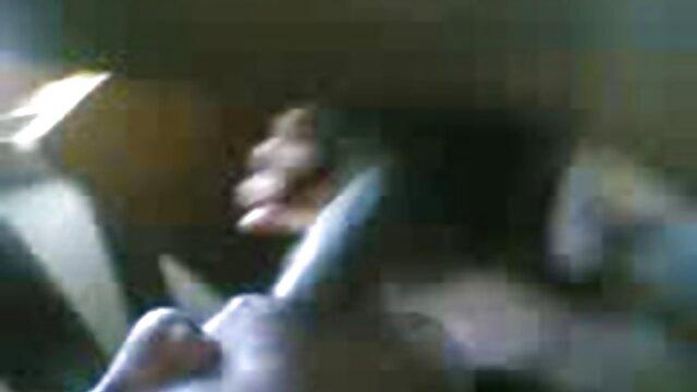 सेक्स सेक्सी वीडियो सेक्सी फुल मूवी तड़क-भड़क के साथ