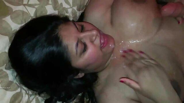 रगड़ कर चट कर जाती है वीडियो सेक्सी हिंदी मूवी
