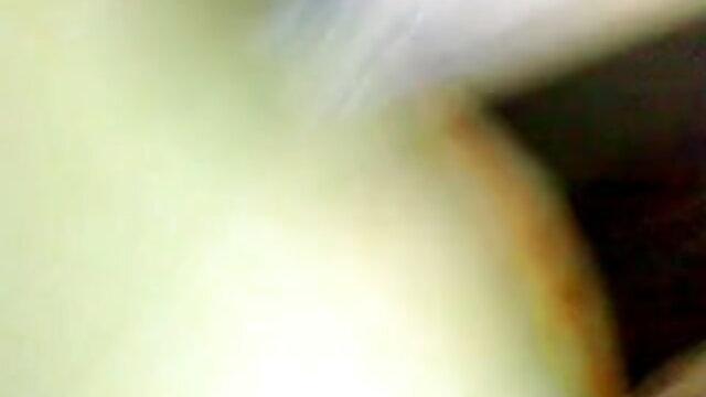 एक प्यारी लड़की अपने बैल के डिक सेक्सी फिल्म वीडियो वीडियो को चूसती है और उसके साथ चुदाई करती है