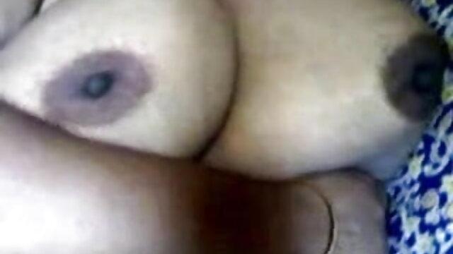 एक कुतिया कुतिया के मुंह में गधा और सह हिंदी सेक्सी मूवी चलने वाली